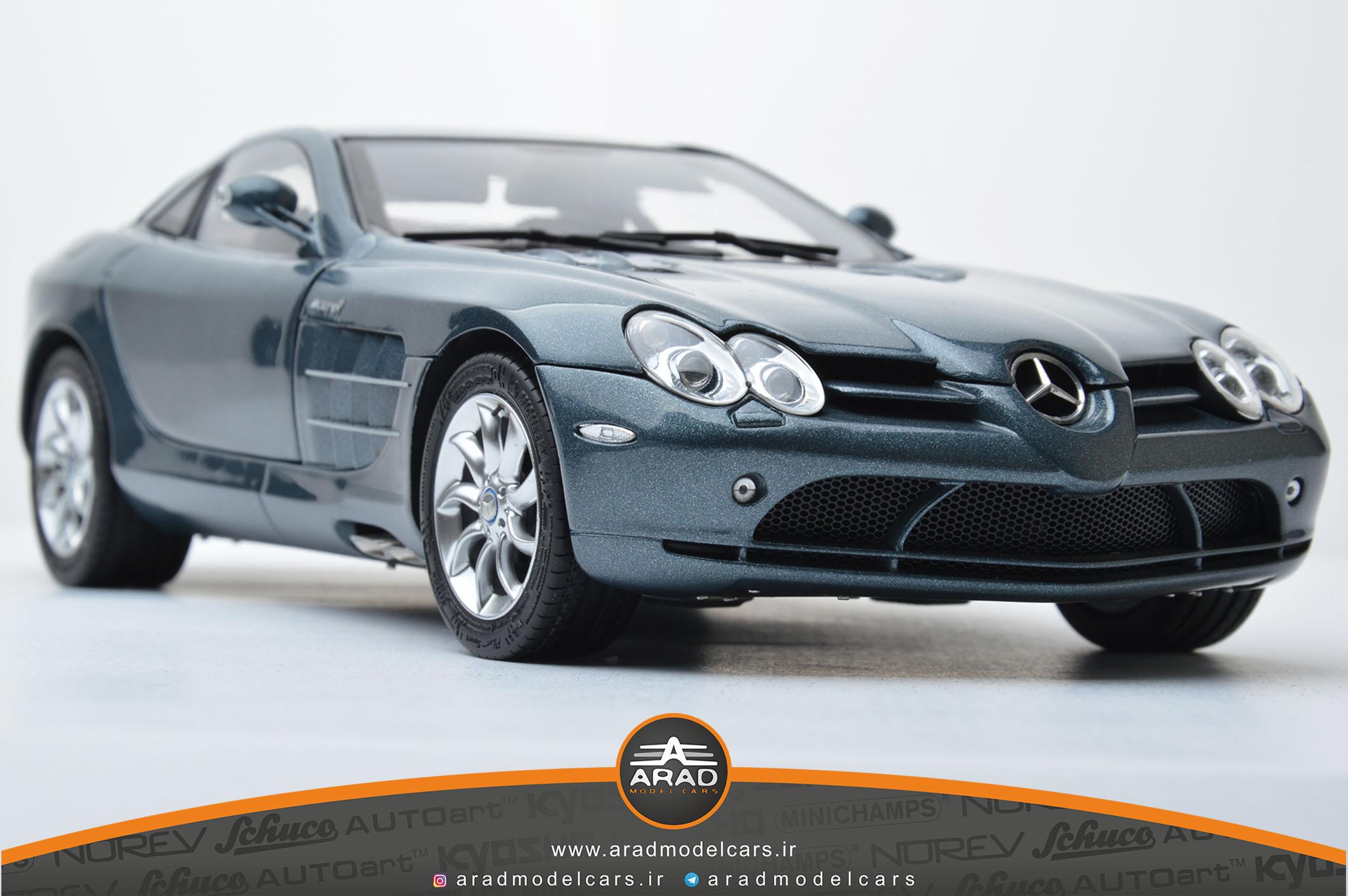 Mercedes Benz SLR Mclaren Gray