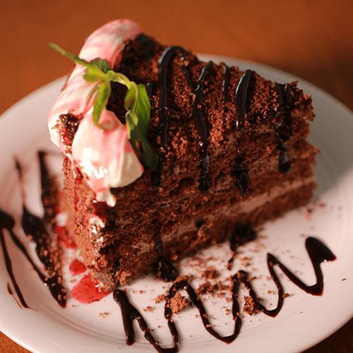 کیک شکلاتی<