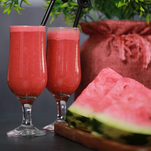 آب میوه طبیعی (هندوانه - پرتقال - سیب - هویج - طالبی - انار)