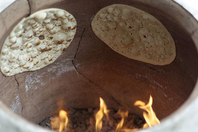 نان داغ و تازه