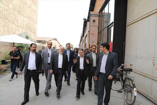 بازدید محمدجواد ظریف از کارخانه نوآوری آزادی
