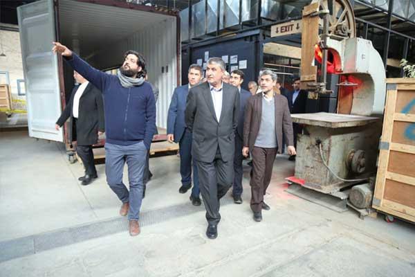 بازدید وزیر راه و مدیر عامل بانک مسکن از کارگاه نوآوری هفتوهشت